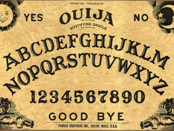 Wat is een Ouijabord? Uitleg en instructies